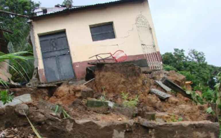 unas-200-mil-familias-viven-en-zona-de-riesgo-proteccion-civil