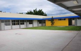 apoya-roberto-construccion-de-guarderia-para-madres-estudiantes