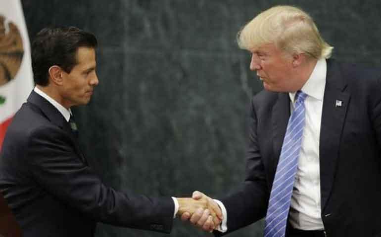 clinton-pierde-terreno-en-encuestas-tras-visita-de-trump-a-mexico