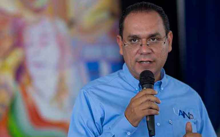confirma-deficit-de-mas-de-2-mil-millones-de-pesos
