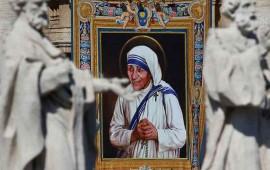 el-papa-declara-santa-a-la-madre-teresa-de-calcuta