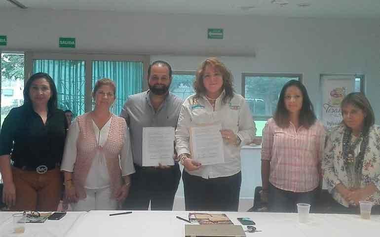 firman-convenio-de-colaboracion-cmic-y-asociacion-de-mujeres-empresarias