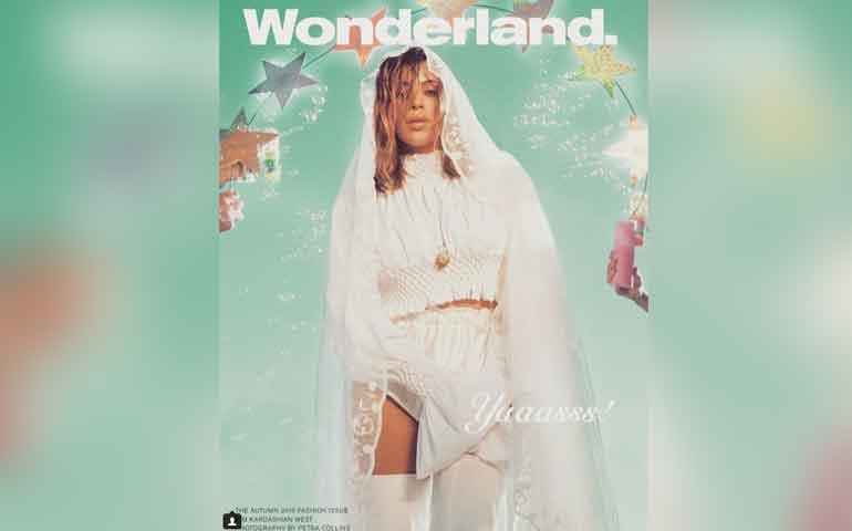 kim-kardashian-escandaliza-las-redes-vestida-como-la-virgen