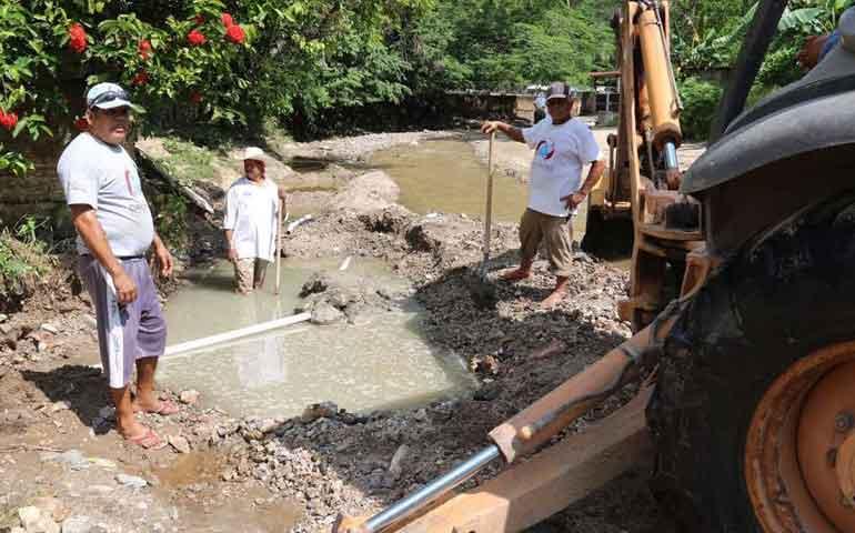 restablece-oromapas-servicio-de-agua-potable-en-el-guamuchil