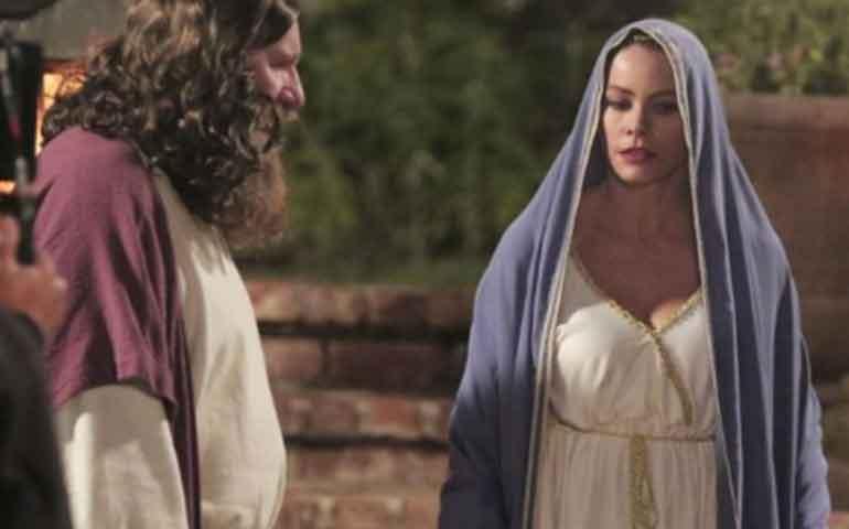 sofia-vergara-sorprendera-en-halloween-con-disfraz-de-virgen-maria