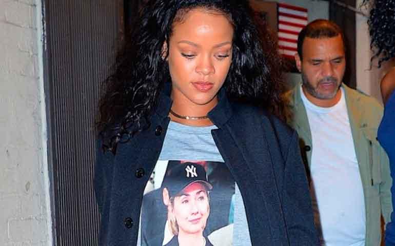 rihanna-respalda-la-candidatura-de-hillary-clinton-con-una-camiseta1