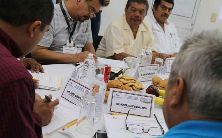 encabeza-jose-gomez-reunion-de-junta-de-gobierno-de-oromapas