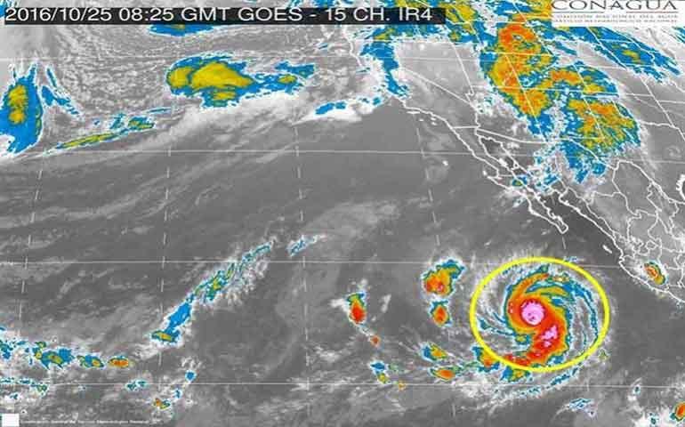 huracan-seymour-perderia-fuerza-este-jueves-es-categoria-4
