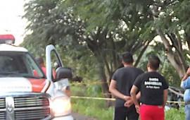 mueren-dos-mujeres-tras-estrellar-su-vehiculo-contra-un-arbol