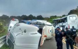 reportan-8-muertos-por-accidente-en-carretera-compostela-chapalilla