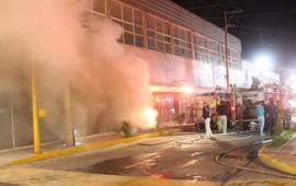 se-quema-tienda-de-telas-en-el-centro-historico-de-tepic