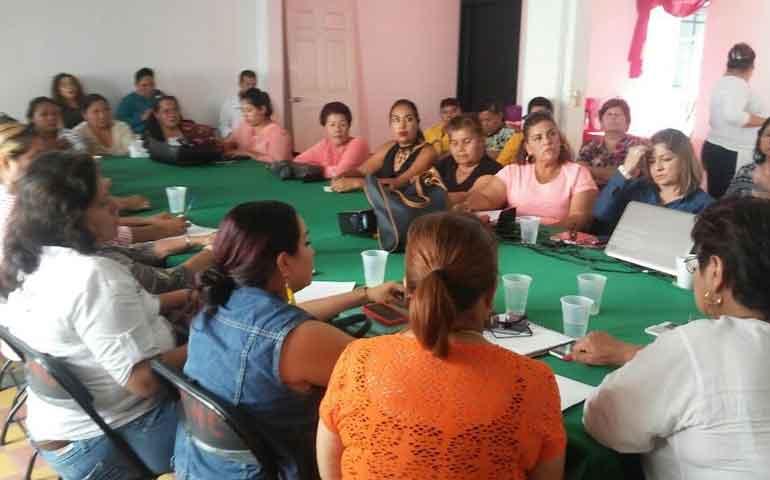trae-manuel-cota-a-mujeres-rurales-programa-el-campo-en-tus-manos