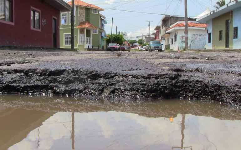 transportistas-sufren-perdidas-por-la-mala-condicion-de-las-calles-en-tepic