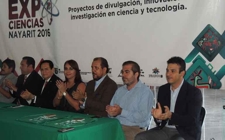 universidad-vizcaya-logra-pase-a-etapa-nacional-de-expociencias-2016-con-tres-proyectos20