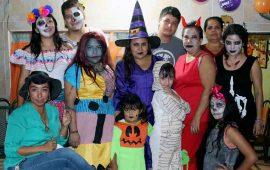 fiesta-de-halloween-con-la-familia-romero-hernandez9