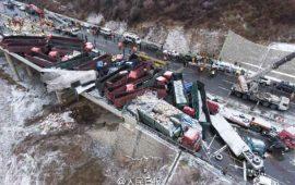 choque-de-56-autos-en-china-deja-17-muertos