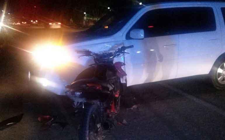 fallece-motociclista-tras-impactarse-contra-camioneta