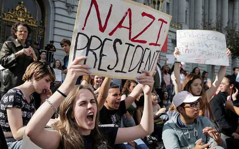 por-segundo-dia-miles-protestan-contra-triunfo-del-magnate