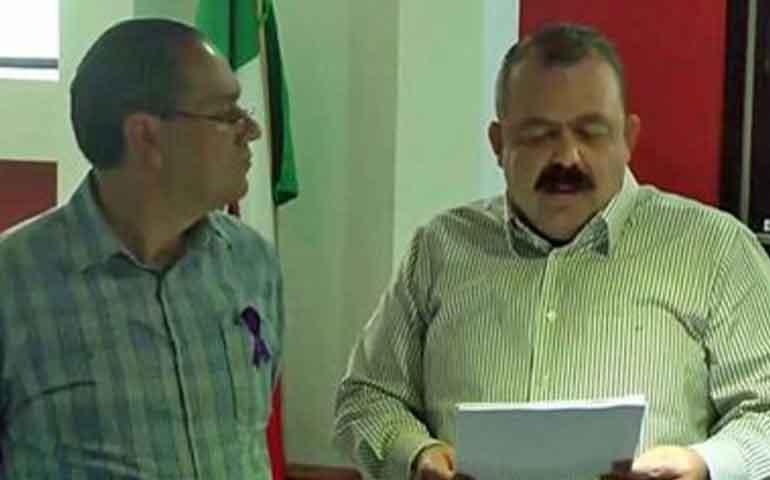 presenta-nacho-pena-denuncia-penal-contra-juan-salazar