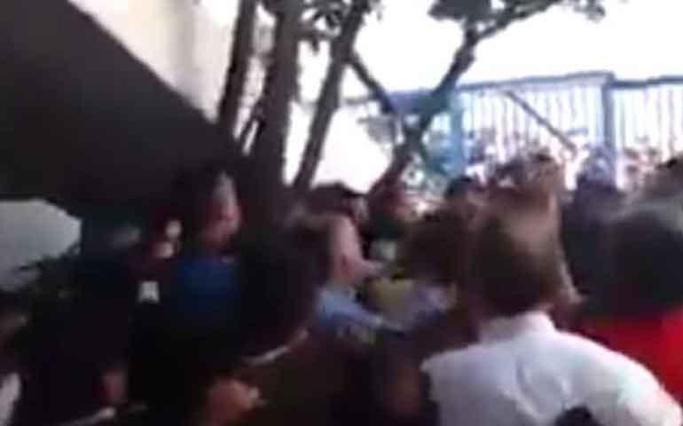 trabajadores-encaran-y-golpean-a-funcionario-de-naucalpan