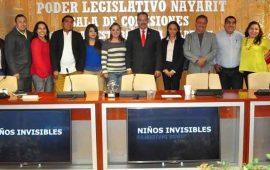 diputados-se-reunen-con-jovenes-que-apoyan-a-ninos-que-viven-en-el-penal