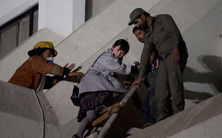 incendio-en-hotel-deja-al-menos-11-muertos-en-pakistan