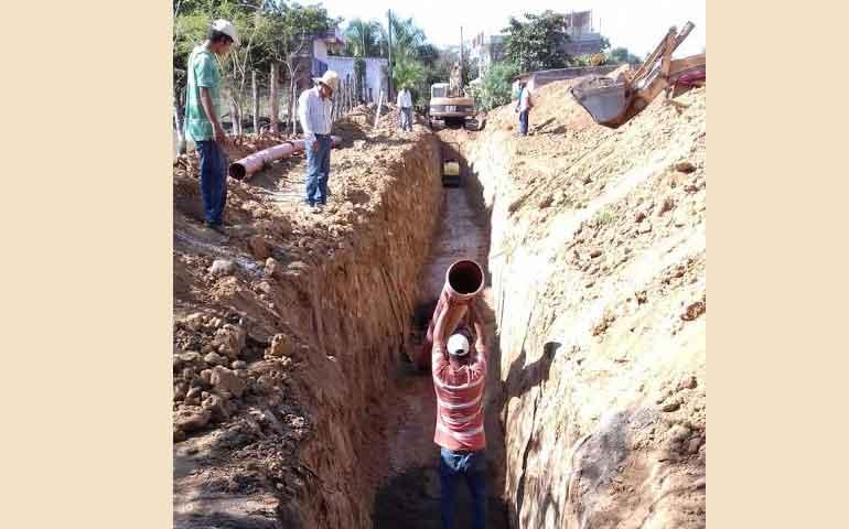jose-gomez-construye-nueva-red-de-drenaje-en-valle-de-banderas