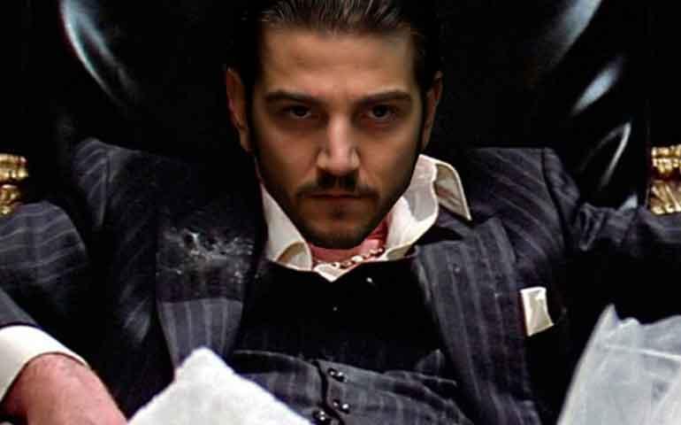 Diego Luna intepretará a Tony Montana en remake de Scarface