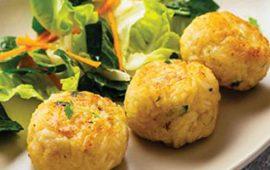 tortitas-de-pescado-con-salsa-de-frijol