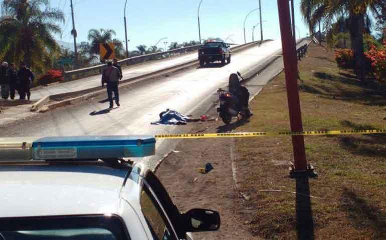 camion-atropella-y-mata-a-motociclista-el-responsable-huyo