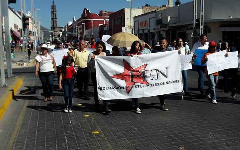 estudiantes-marchan-contra-el-aumento-a-tarifa-del-transporte-publico