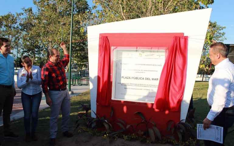 inaugura-jose-gomez-plaza-en-san-vicente-del-mar
