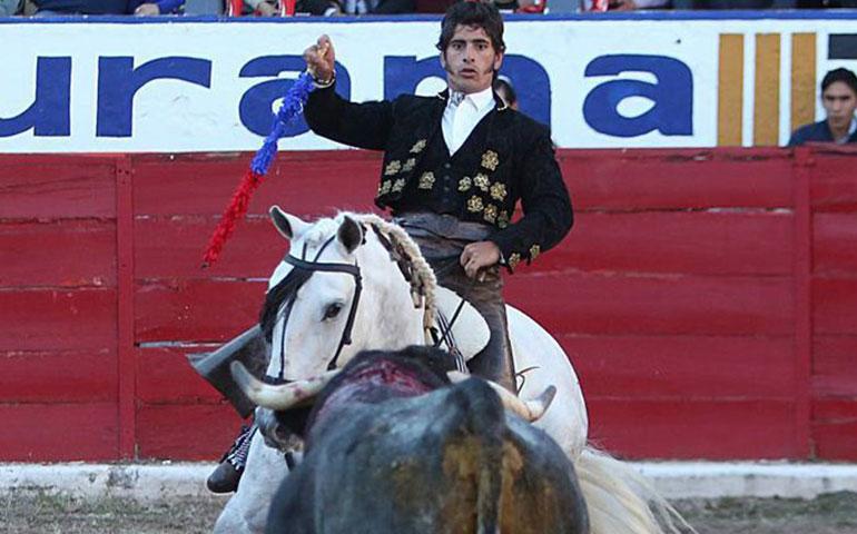 jinete-mexicano-es-grabado-mientras-golpea-a-su-caballo