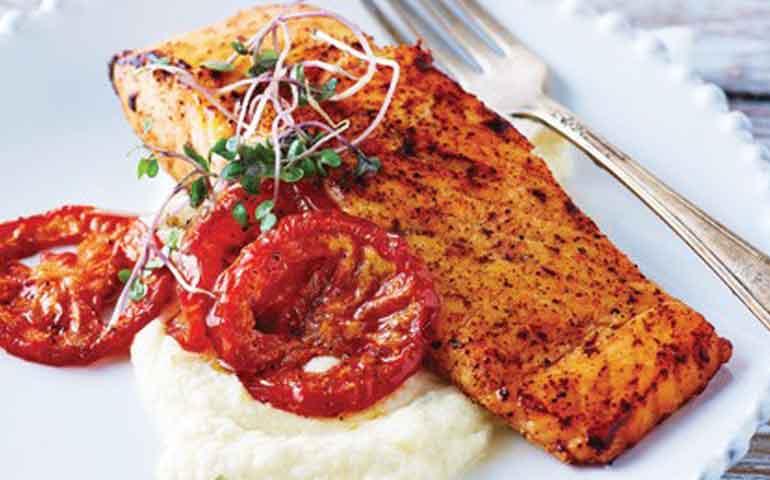 salmon-con-pure-de-coliflor
