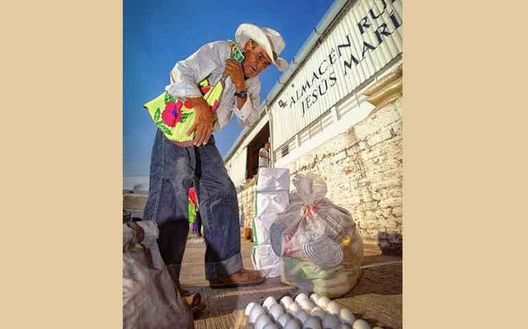 choferes-diconsa-transitan-72-horas-para-llevar-alimento-a-sierra-del-nayar