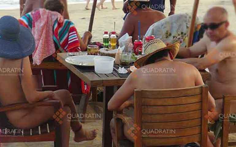 nudistas-disfrutan-de-encuentro-internacional-en-oaxaca