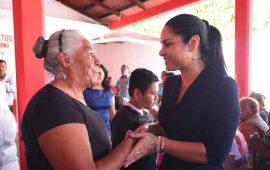 por-los-adultos-mayores-trabajamos-con-el-corazon-y-compromiso-ana-lilia