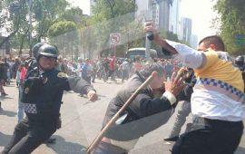 se-enfrentan-campesinos-y-policias-en-paseo-de-la-reforma