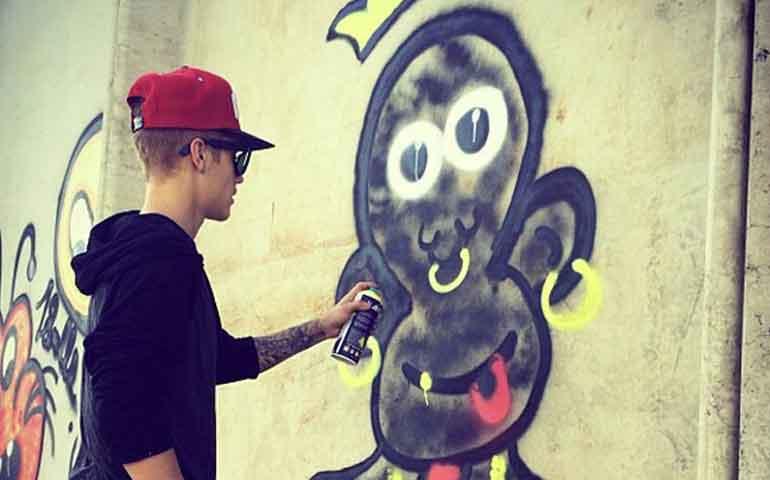 """Citan-en-Brasil-a-Justin-Bieber-por-""""crimen-contra-el-patrimonio""""1"""