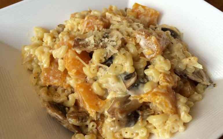 pasta-con-calabaza-y-champin%cc%83ones