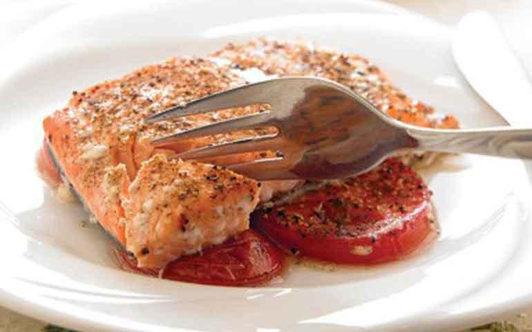Salmón-marinado-al-horno-