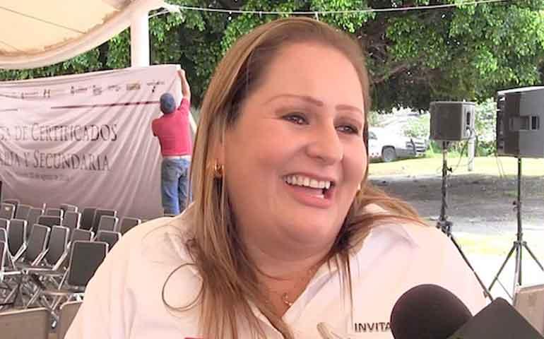 delegada-de-sedesol-dice-que-no-cobra-sueldo-en-la-uan-por-licencia-lider-de-la-setuan-la-desmiente
