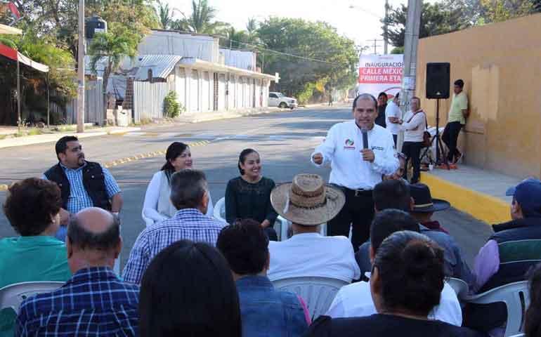 inaugura-jose-gomez-ingreso-a-calle-mexico