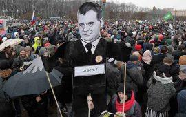 miles-marchan-en-rusia-contra-el-gobierno