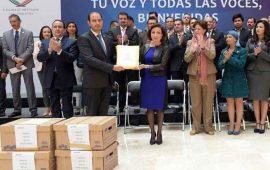 pan-entrega-120-mil-firmas-en-san-lazaro-contra-gasolinazo
