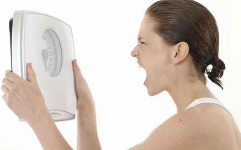 3-pensamientos-negativos-que-no-te-permiten-bajar-de-peso-