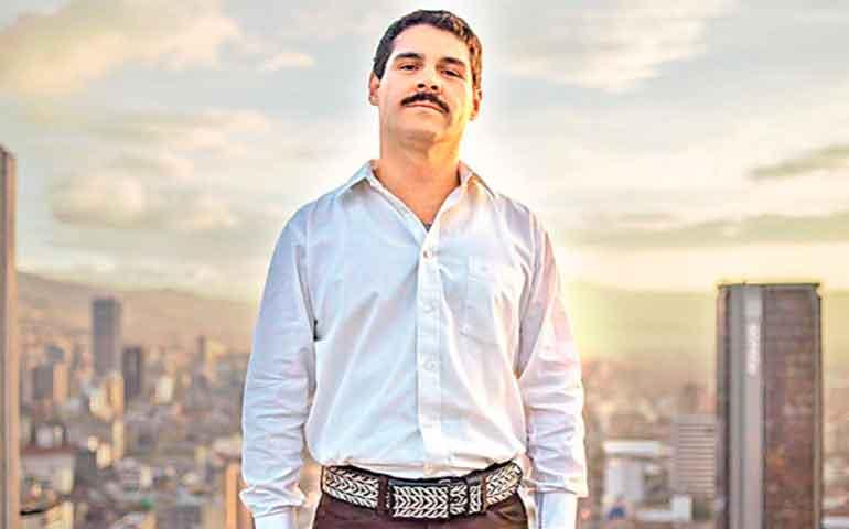Con-ustedes-El-Chapo1