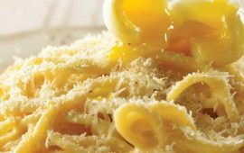 Espagueti-con-huevo-de-codorniz-y-parmesano-