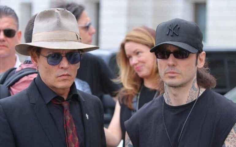 Jhonny-Depp-se-une-a-protestas-contra-pena-de-muerte-en-Arkansas-
