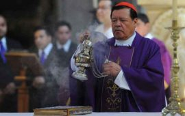 cardenal-rivera-encabeza-domingo-de-ramos-en-la-catedral